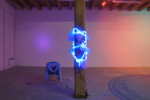 florencegiroud, omertagaveblue, artist, french, artiste, contemporain, art contemporain, performance, performer, neon